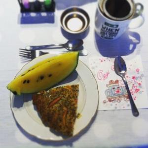 Colazione con clafoutis e cocomero giallo