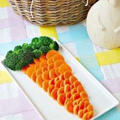 Carotona gigante a base di carote e broccoli? Utilizzate le verdure per accompagnare salsine e hummus sfiziosi.