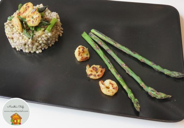 Grano saraceno con gamberi e asparagi