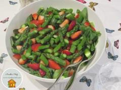 Insalata di fragole e asparagi