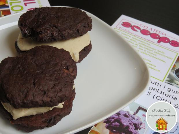 Gelato biscotto al cacao e nocciola per Scoops, gelateria biologica a Milano